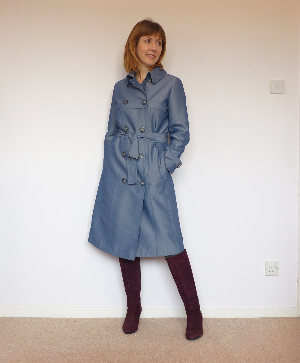 Trench coat love. Vogue 8884