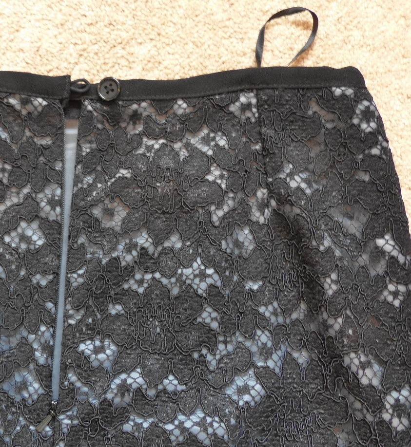 Easy lace skirt Waistband detail