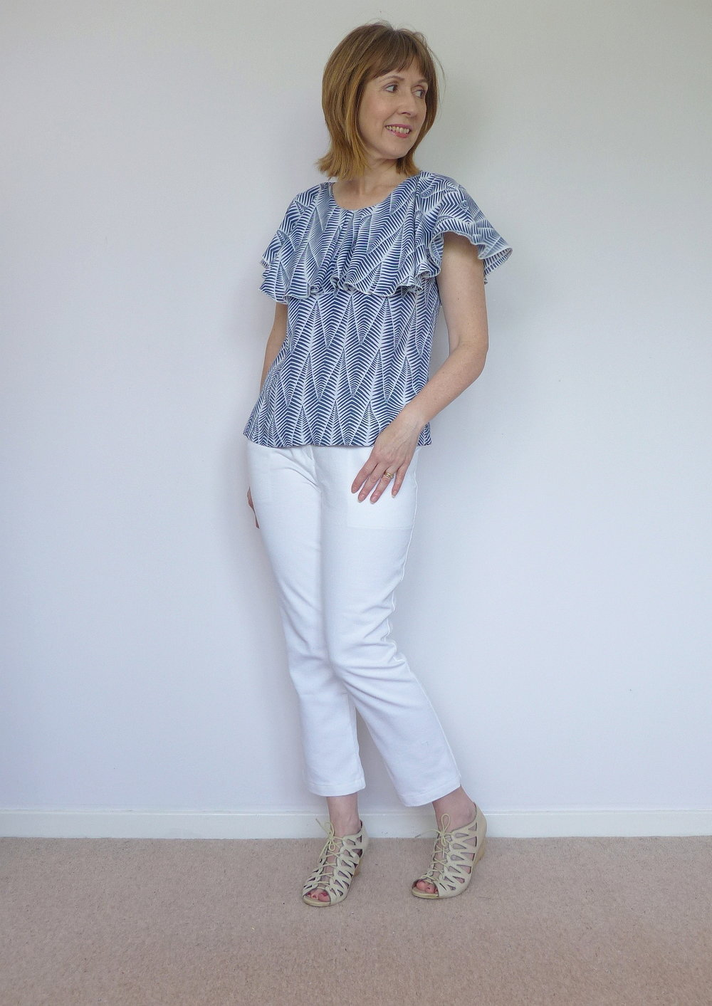 Flounce top, plus how to roll hem on an overlocker