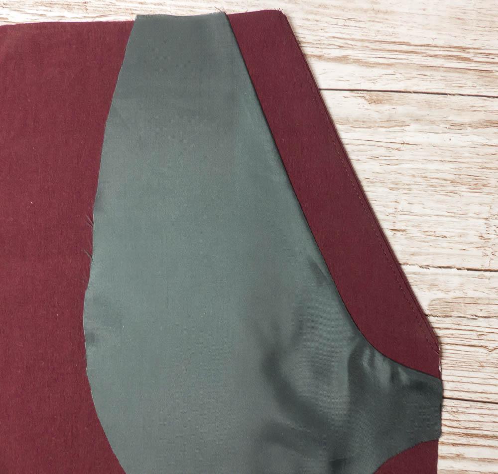 Side stripe trousers. BurdaStyle 117 11/2018. Pocket detail