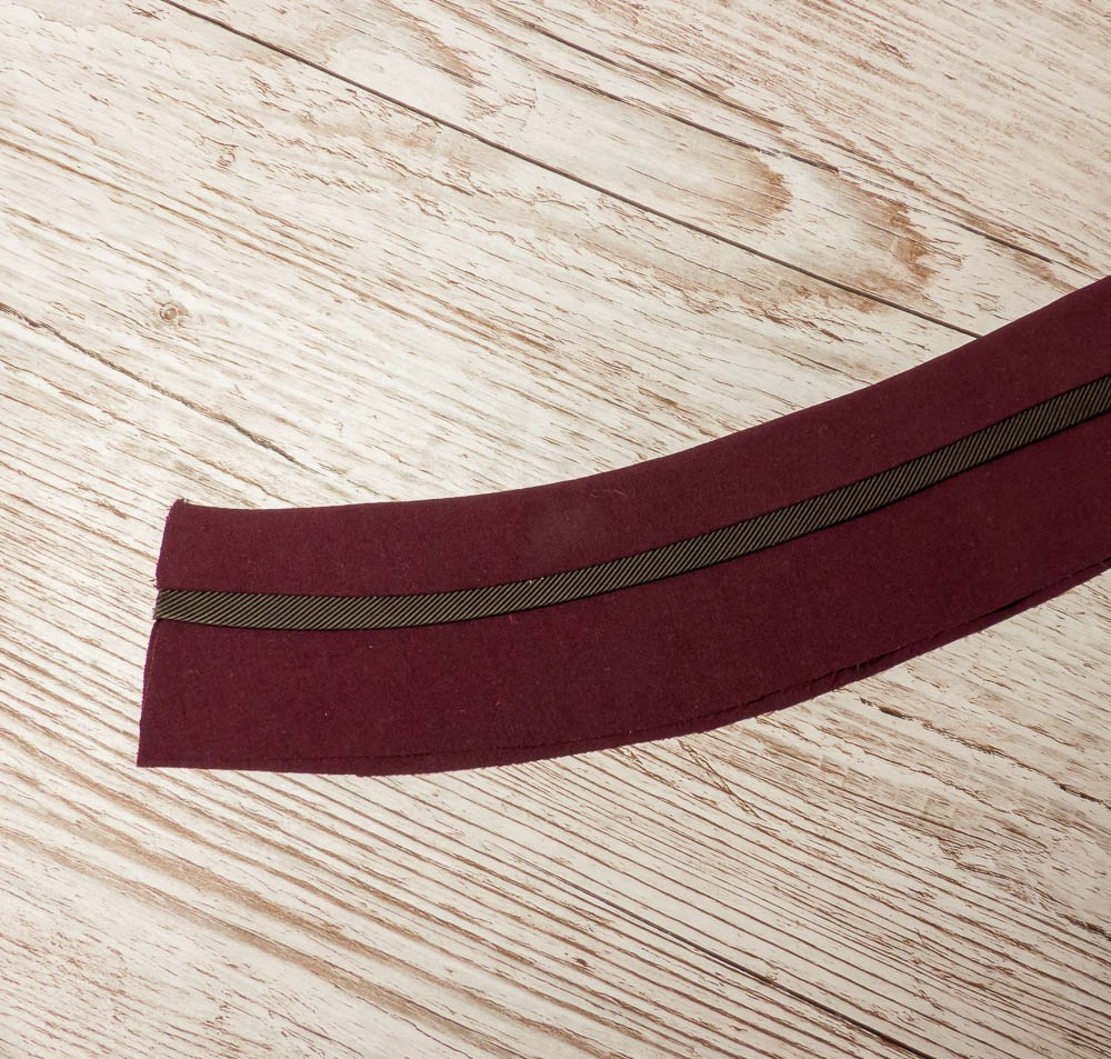 Side stripe trousers. BurdaStyle 117 11/2018. Waistband detail