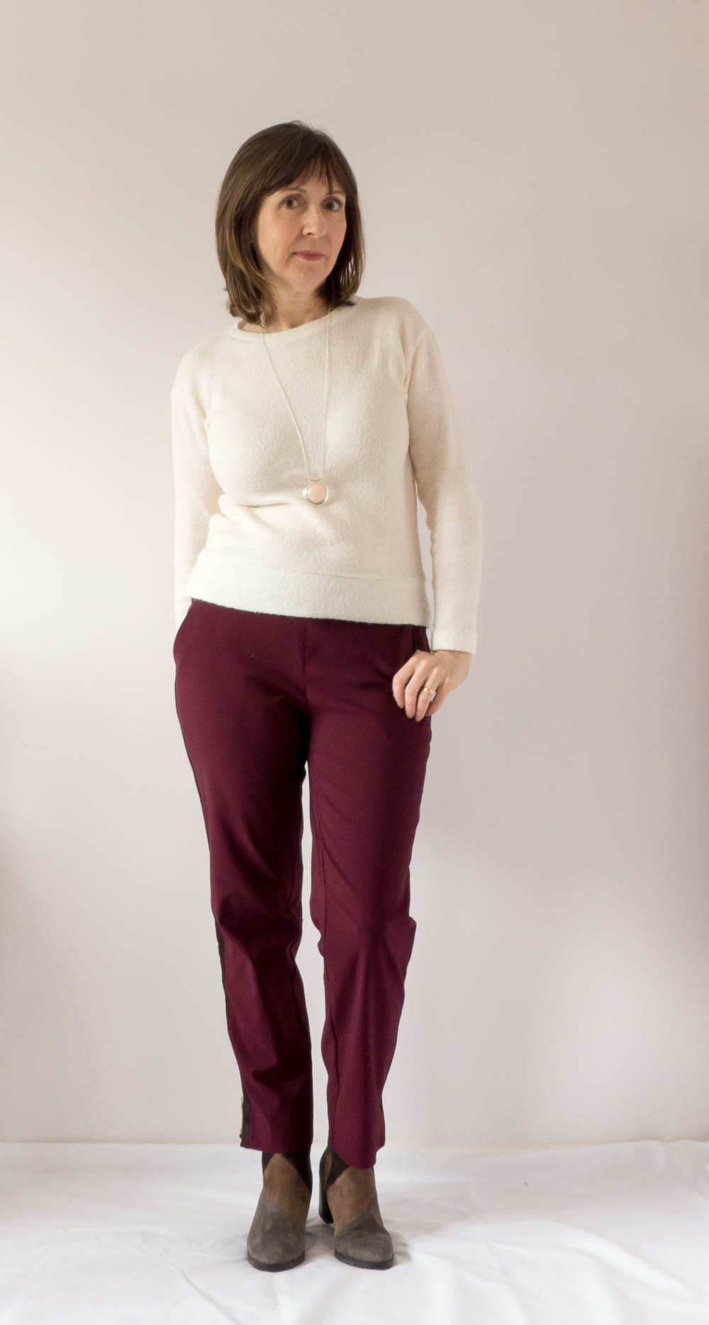 Side stripe trousers. BurdaStyle 117 11/2018