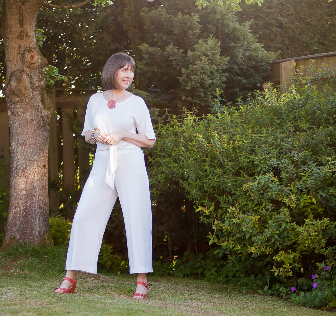 Jersey cropped wide-leg pants using Simplicity 1071