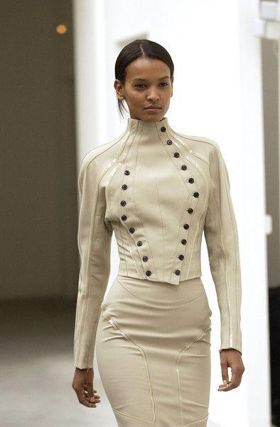 6 inspiring ideas for buttons and buttonholes. Balenciaga jacket