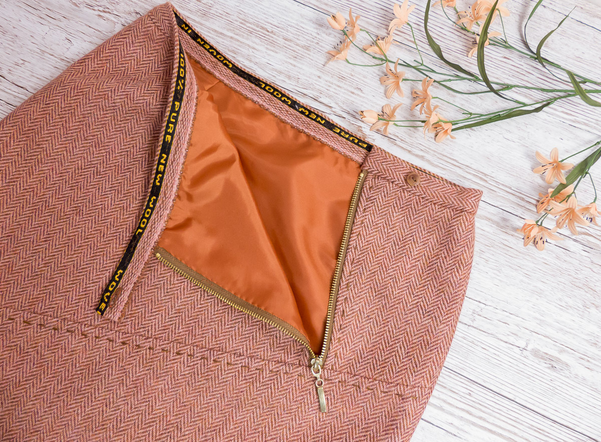 Close up details waistband and zip