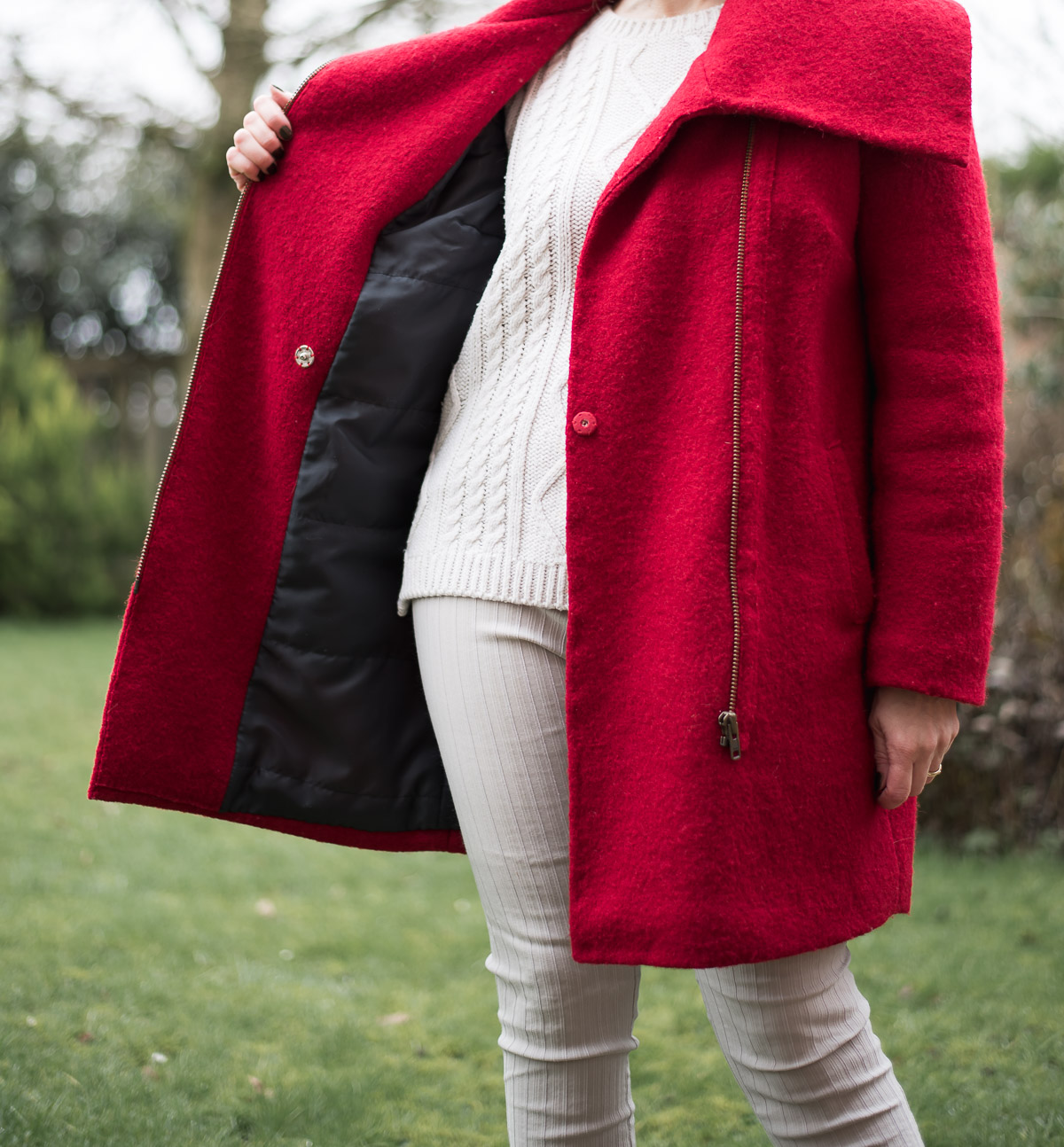 DIY Red Coat. Zipper and padded lining