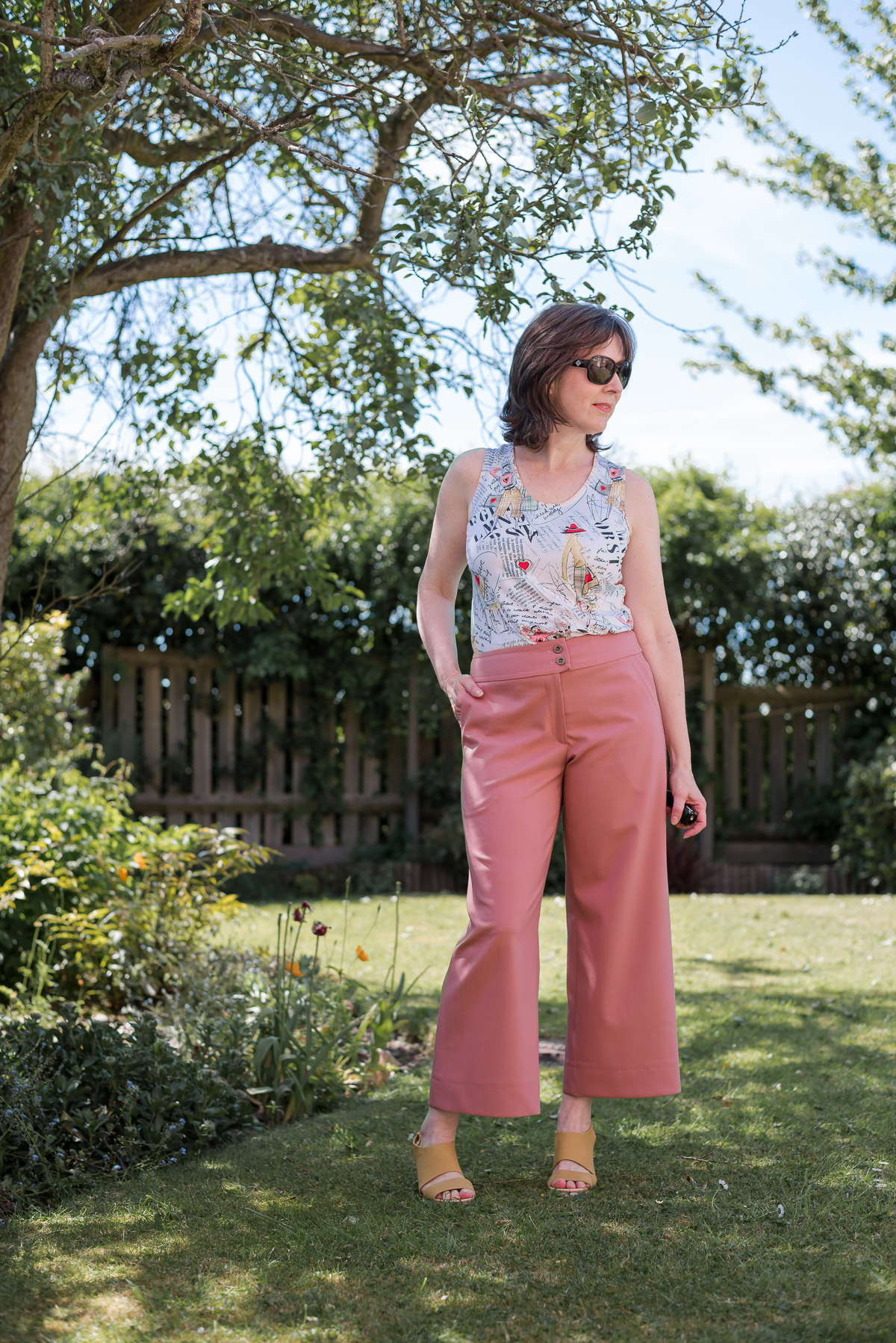 Dusky pink wide-leg cropped pants