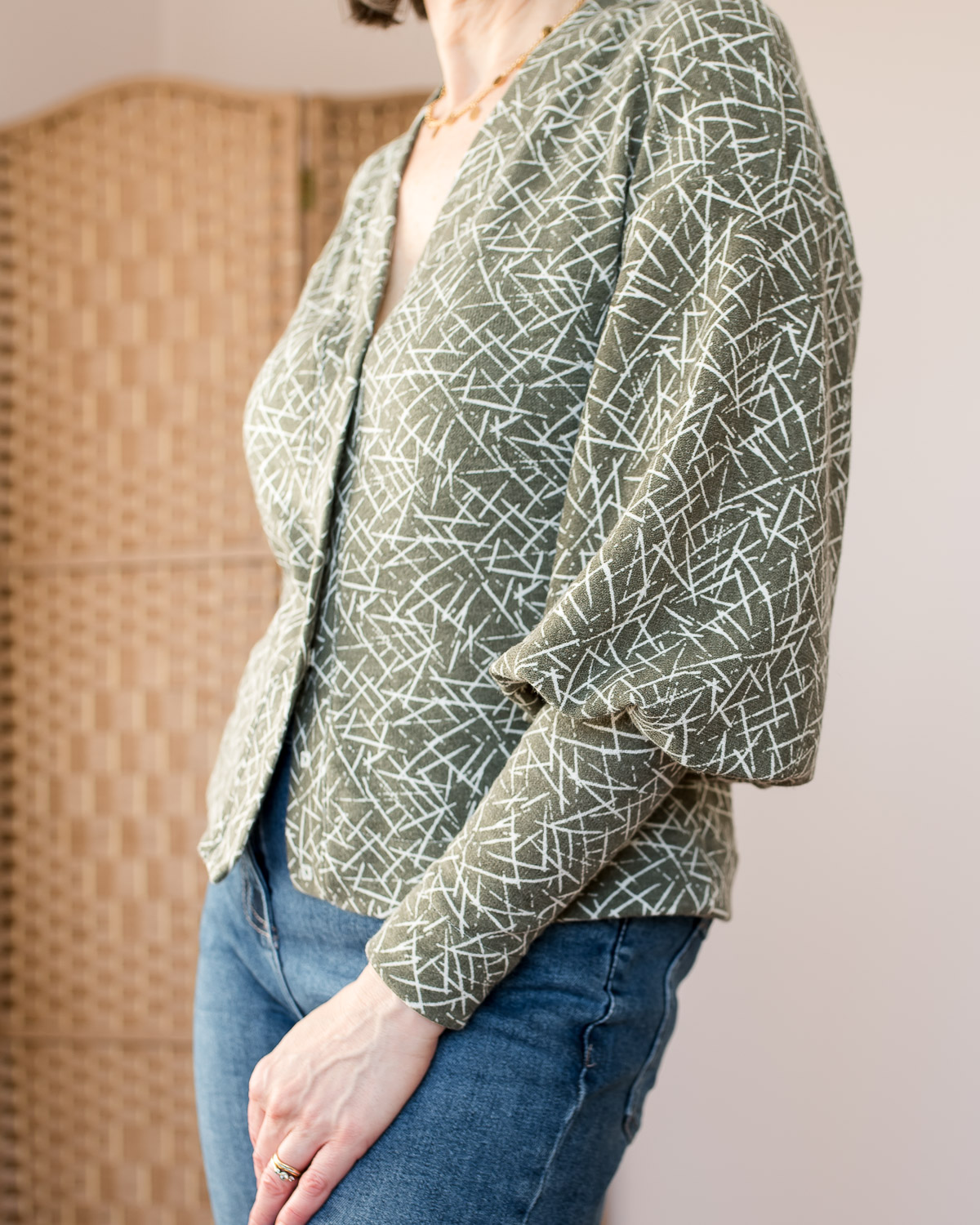 cosy cropped puffed-sleeve cardigan
