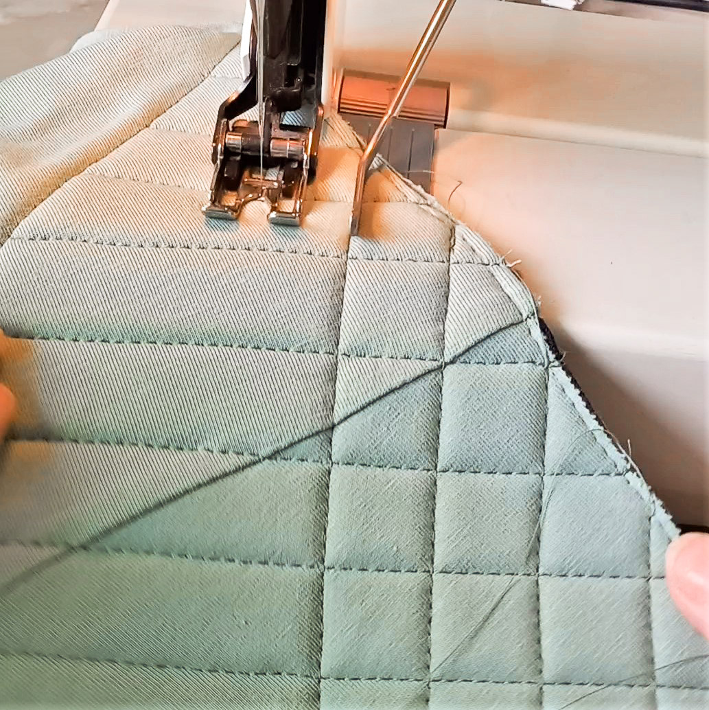 Tutorial: Quilted Shoulders On The Claudia Tank